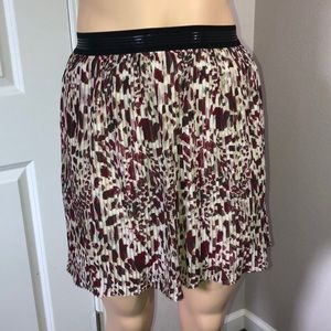 Accordions Style Mini Skirt with Under Slip